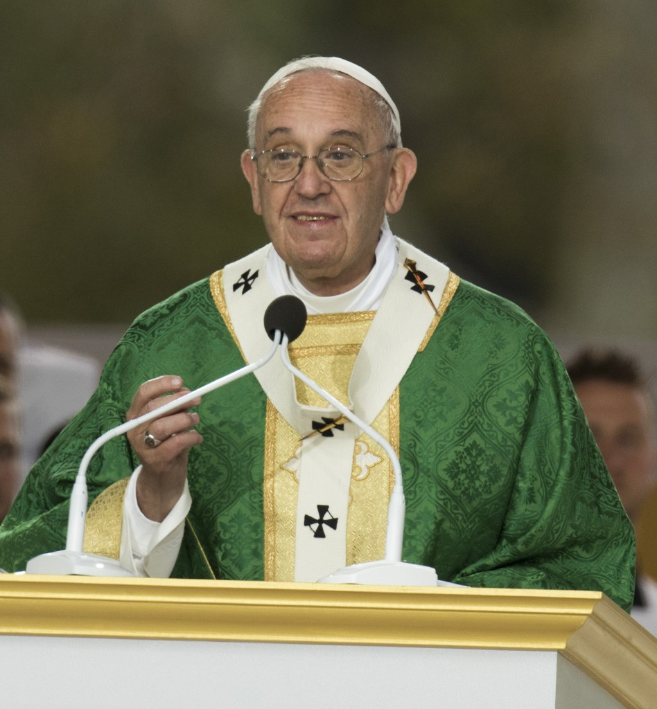 Pope Francis smiles giving his homily during an outdoor mass on the Benjamin Franklin Parkway in Philadelphia on Sunday, Sept. 27, 2015. (Clem Murray/Philadelphia Inquirer/TNS)